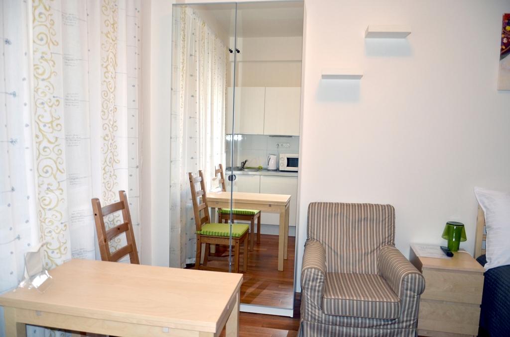 Charvatova-10 Studio Apartments Wardrobe
