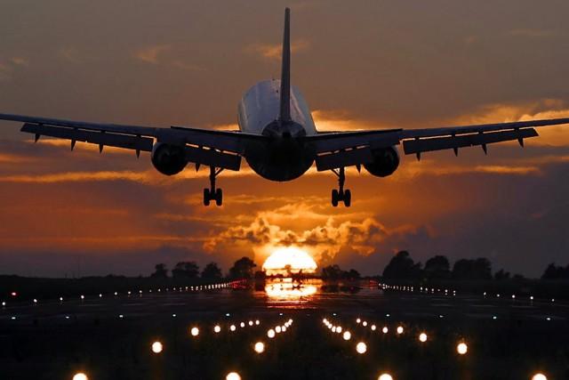 самолет улетает домой
